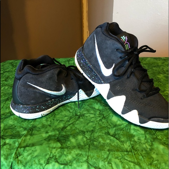 d0b0d28d4b0f Nike Kyrie Irving 3 Shoes